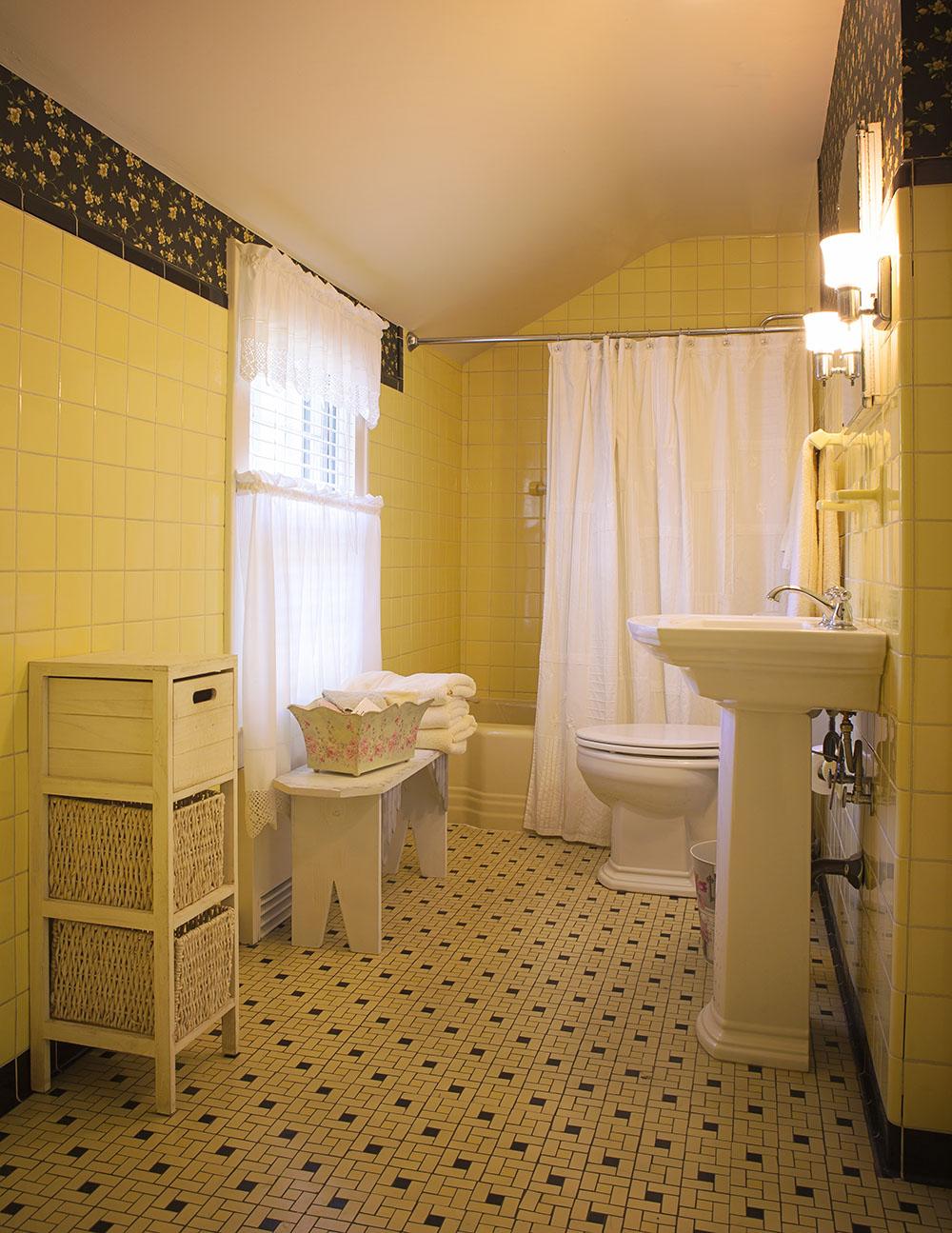 Randall Retreat Colonial Manor B Amp B